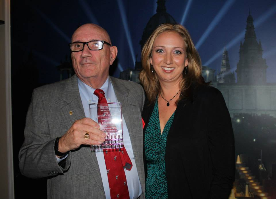 Dick Baumbach, recipient of the 2015 Founder's Awards, and 2014 Chapter President Tessa Friederichs